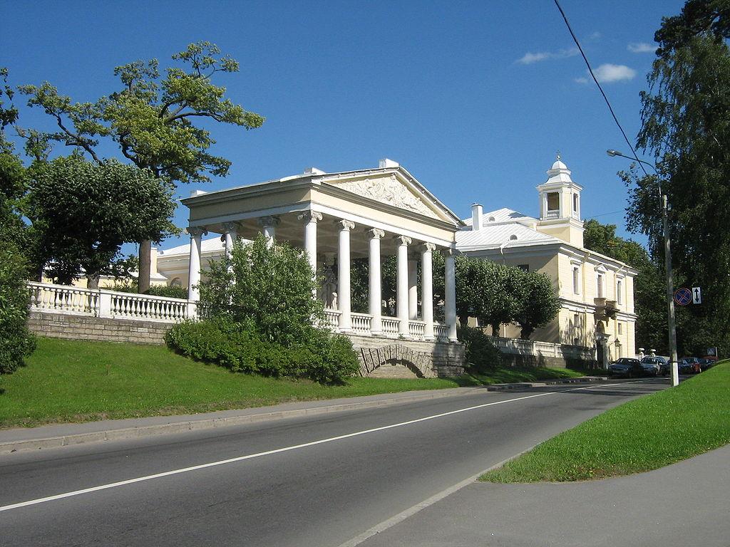 Павловский парк, Павильон трёх граций. Фото: Peterburg23 (Wikimedia Commons)