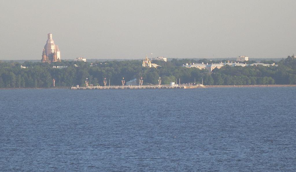 Петергоф с моря. Фото: Professor Caretaker (Wikimedia Commons)