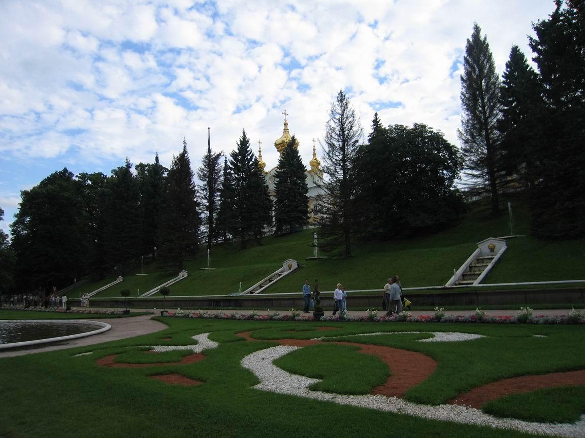 Террасные фонтаны в Нижнем парке. Фото взято с: http://al-spbphoto.narod.ru