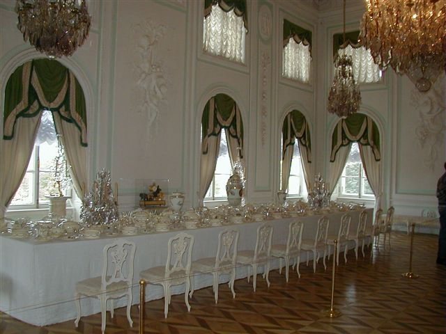 French style interior of the Peterhof, dining room. Автор фото: Sanne Smit (Wikimedia Commons)