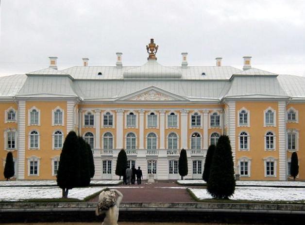 Петергоф. Большой дворец. Автор фото: Sanne Smit (Wikimedia Commons)
