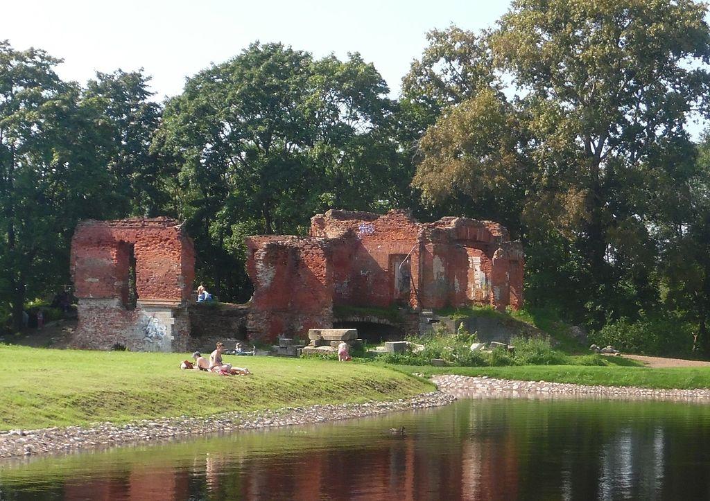 Руины Розового павильона, 2016 г. Фото: Professor Caretaker (Wikimedia Commons)