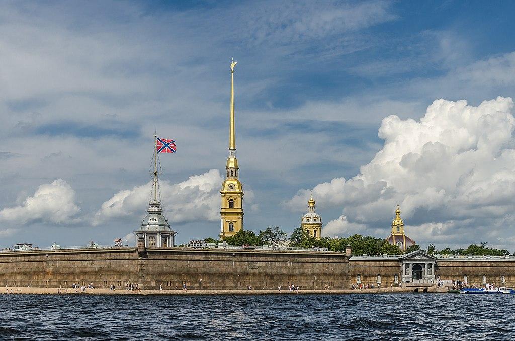 Петропавловская крепость в Санкт-Петербурге. Фото: Florstein (WikiPhotoSpace)