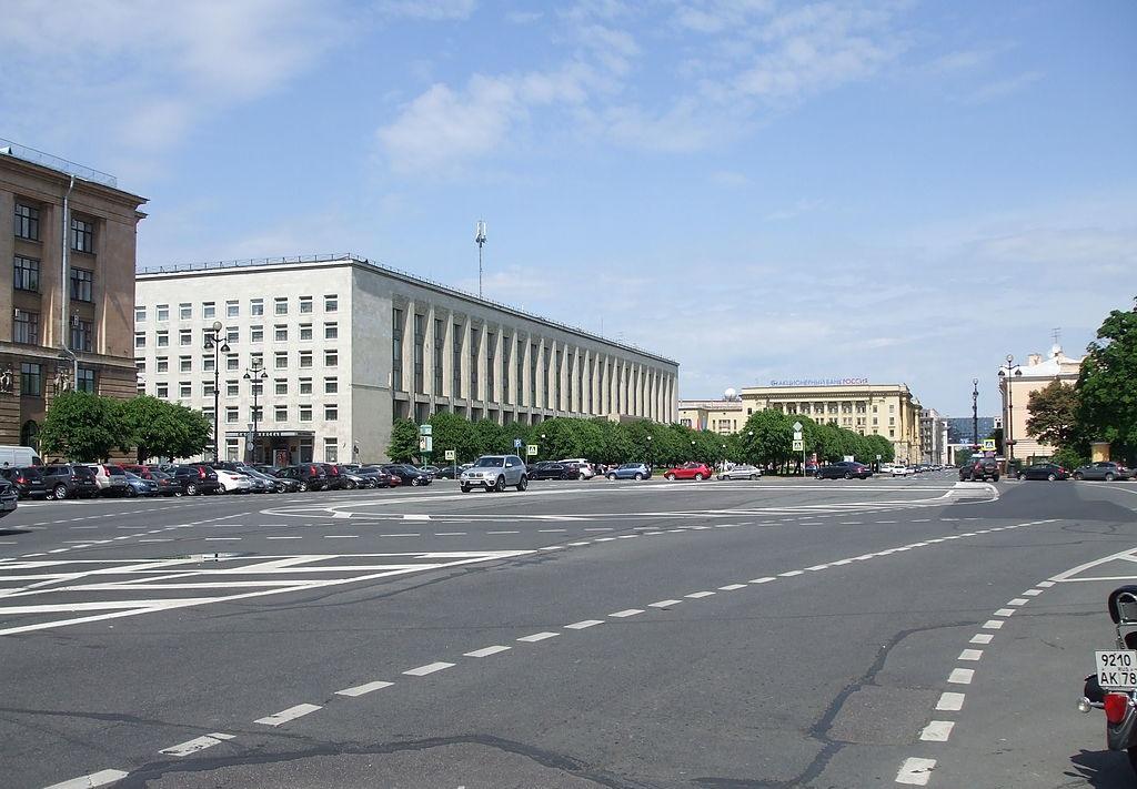Площадь Пролетарской Диктатуры. Фото: Lvova (Wikimedia Commons)