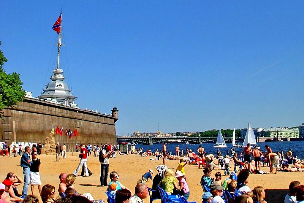 Пляж Петропавловской крепости. Фото: адомалучше.рф