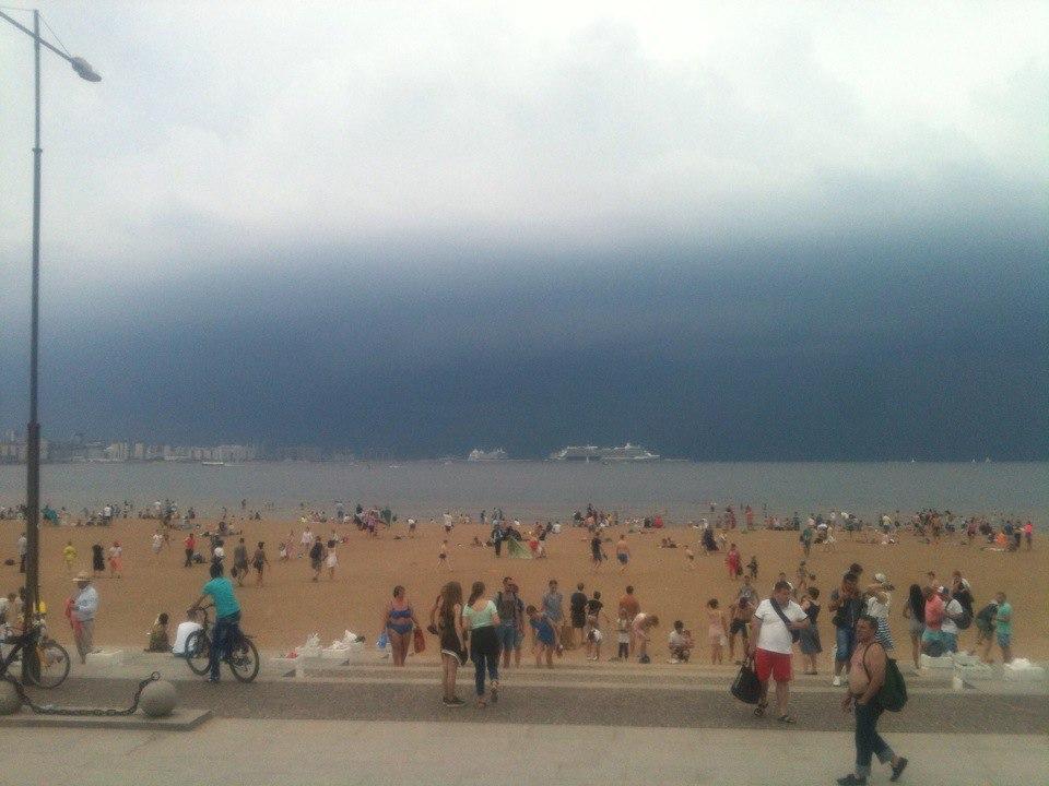 Пляж в Парке 300-летия Санкт-Петербурга. Автор фото: Miron Osiris