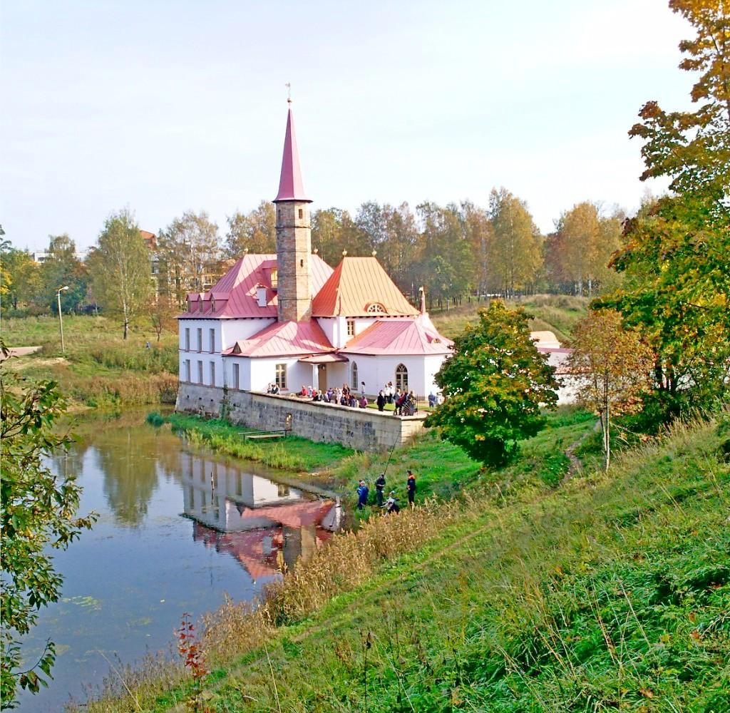 Приоратский замок https://commons.wikimedia.org