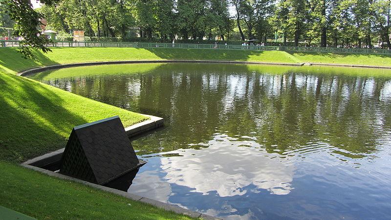 Пруд Карпиев, южная часть сада. Автор: Error424, Wikimedia Commons
