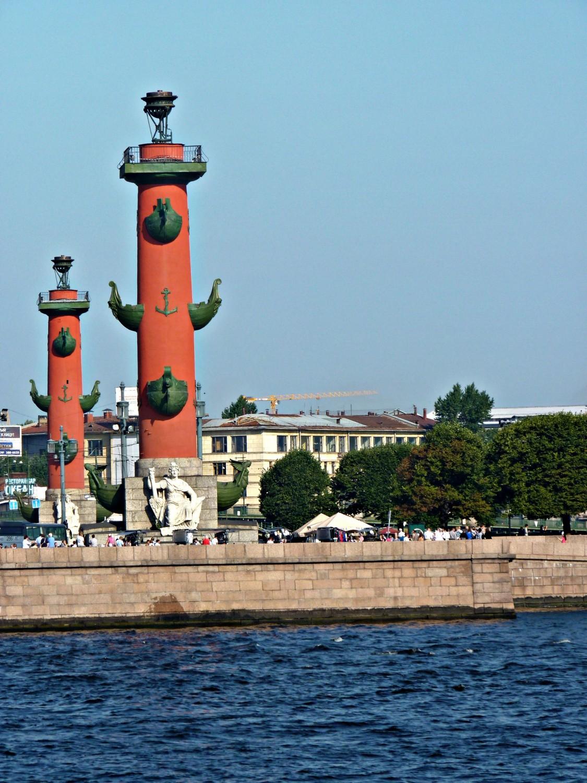 Ростральные колонны. Юлия Пытько. https://upload.wikimedia.org/