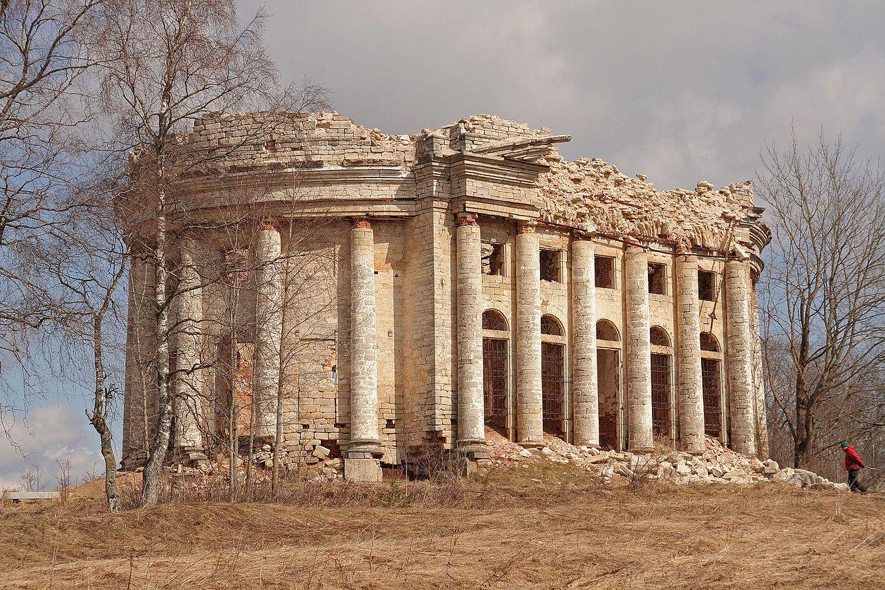 Храм-ротонда, Троицкая церковь. Автор фото: 401 (Aleksej Sychev, Wikimedia Commons)