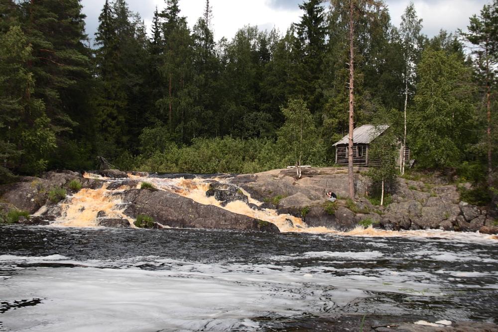 Рускеальские водопады, источник фото: http://prigorod-peterburg.ru/kareliya/ruskealskie-vodopady/