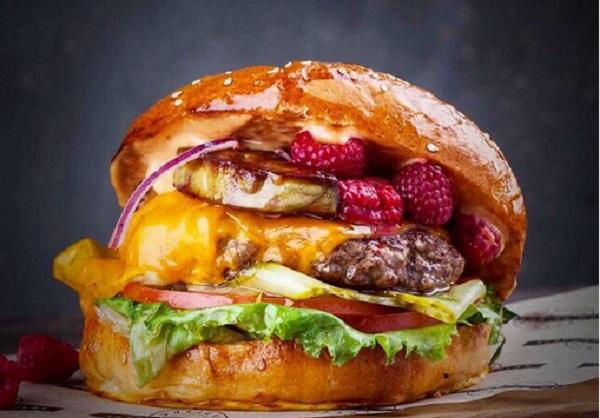 "Бургер с фуа гра с оф.сайта кафе ""KetchUp Burgers"": ketchupburgers.ru"