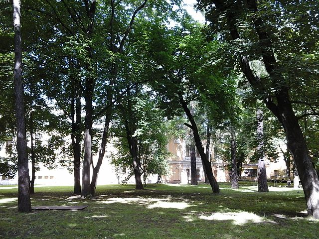Сад Фонтанного дома. Автор фото: Olgvasil (Wikimedia Commons)
