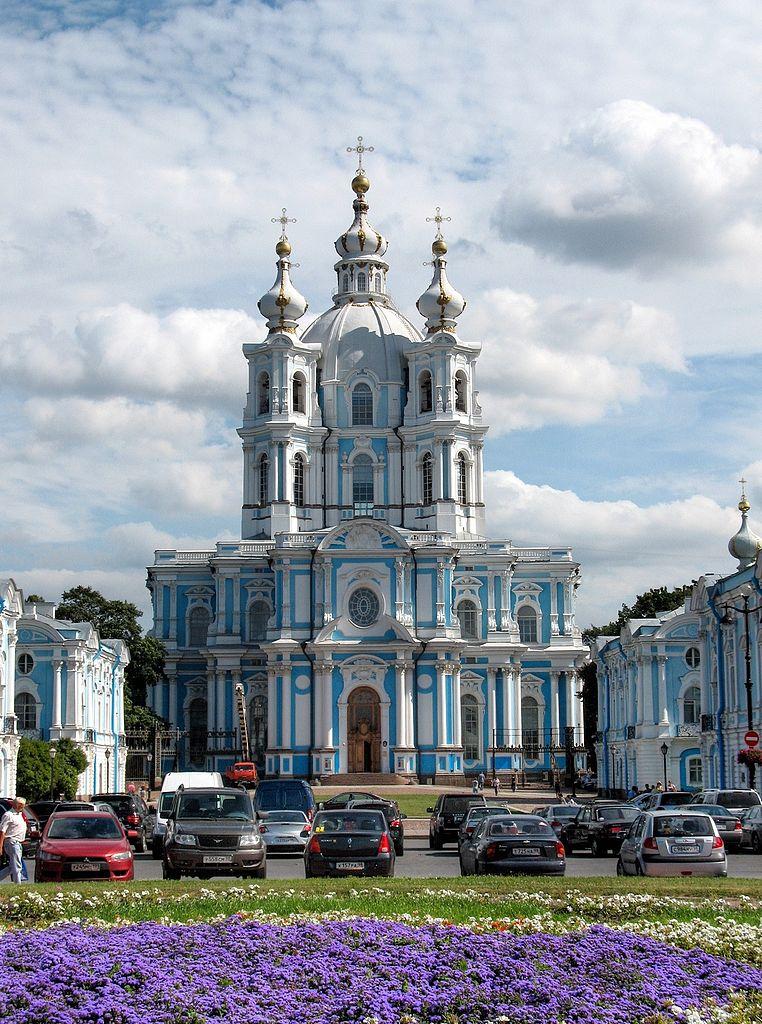 Смольный собор. Фото: Alexxx1979 (Wikimedia Commons)