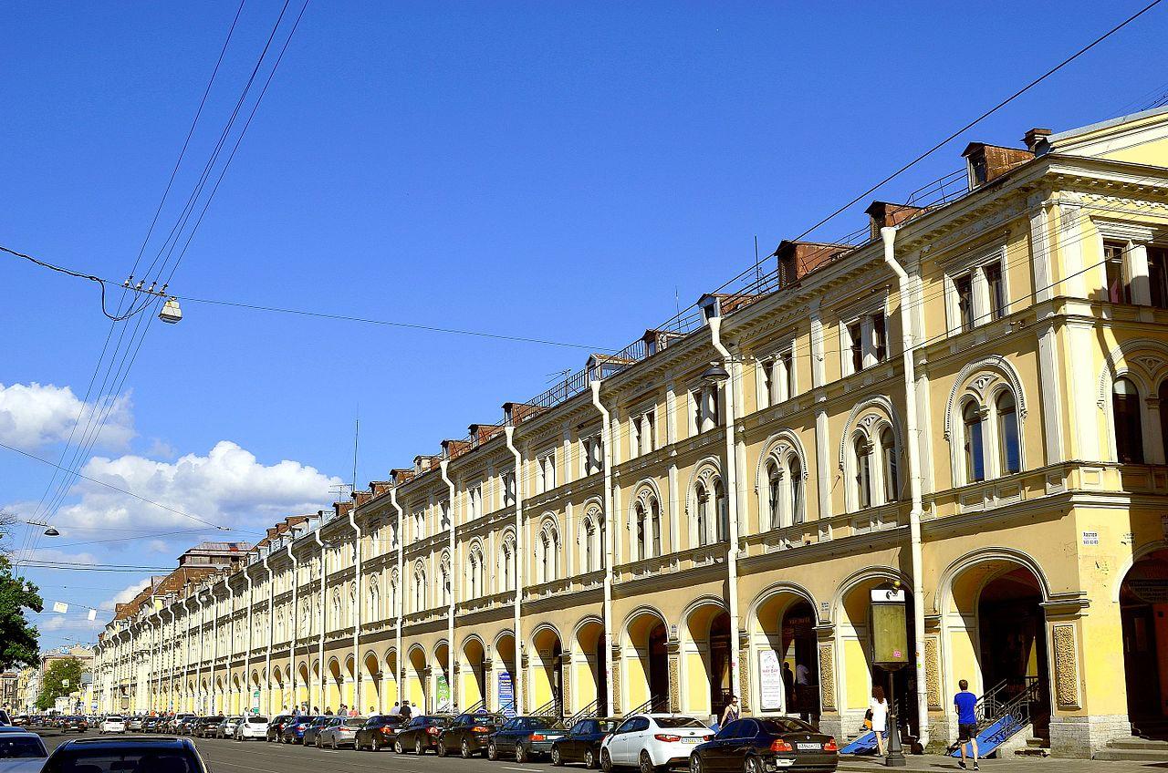 Апраскин двор. Автор фото: GAlexandrova (Wikimedia Commons)