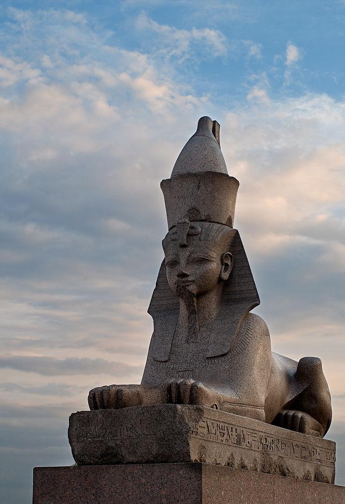 Сфинкс на Университетской набережной. Фото: Коряков К.М.(Wikimedia Commons)