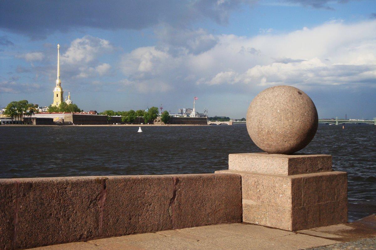 Гранитные шары, фото с сайта Fotokto.ru