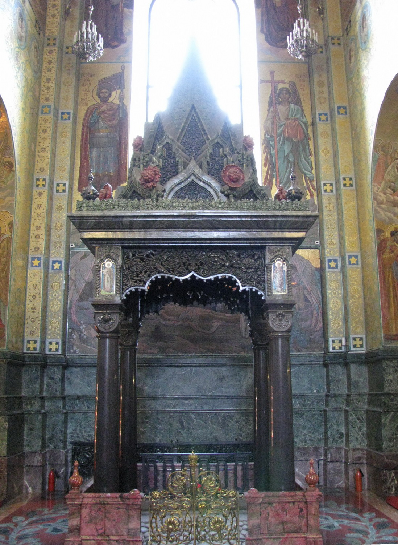 Сень над местом смертельного ранения императора Александра II. Фото:  Владислав Фальшивомонетчик (Wikimedia Commons)