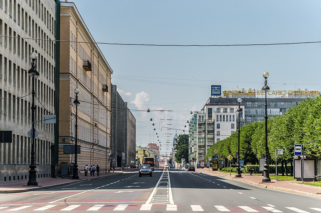 Шпалерная улица, вид с площади Растрелли. Фото: Florstein (WikiPhotoSpace)