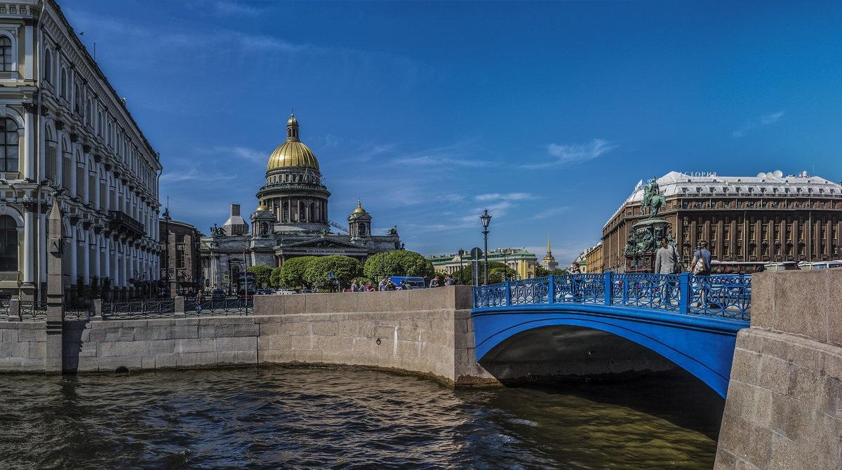 Синий мост, фото с сайта Architectureguru.ru