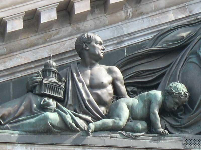 Скульптурный портрет Монферрана, источник фото: http://palmernw.ru/isaakievskiy/isaakievskiy.html Авторы: Возлядовская А.М., Гуминенко М.В., фото, 2009-2010