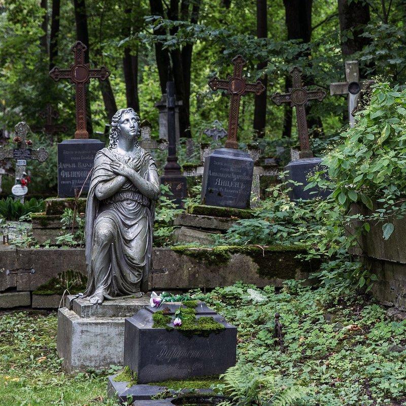 Смоленское кладбище, фото с сайта Fotokto.ru