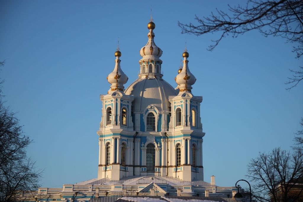 Смольный собор. Звонница. Фото: Andrey Filippov 安德烈 from Moscow, Russia