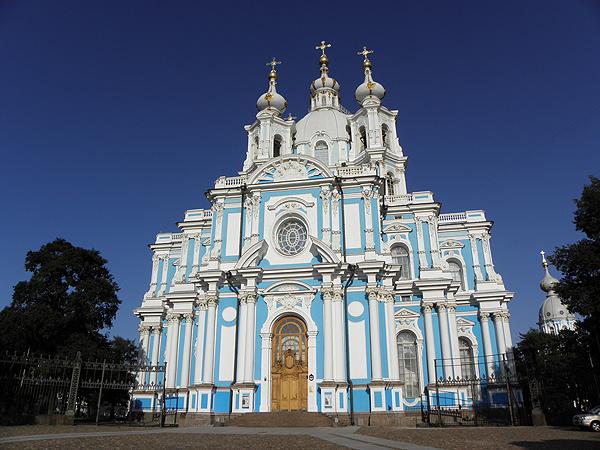 Смольный собор. Автор фото: Дмитрий Шипуля (Wikimedia Commons)