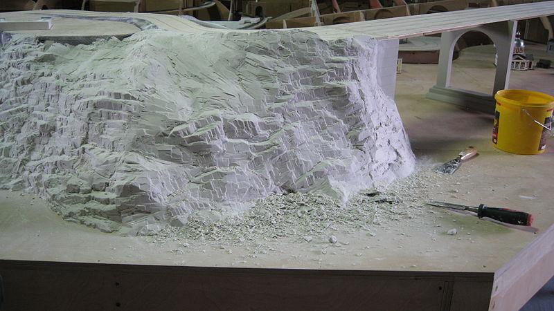 Создание ландшафта пошло 11 тонн гипса. Автор фото: Grandmaket (Wikimedia Commons)