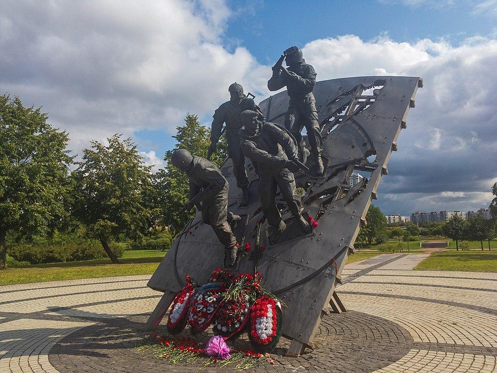 Монумент спецназу в Купчино. Фото: Messir (Wikimedia Commons)