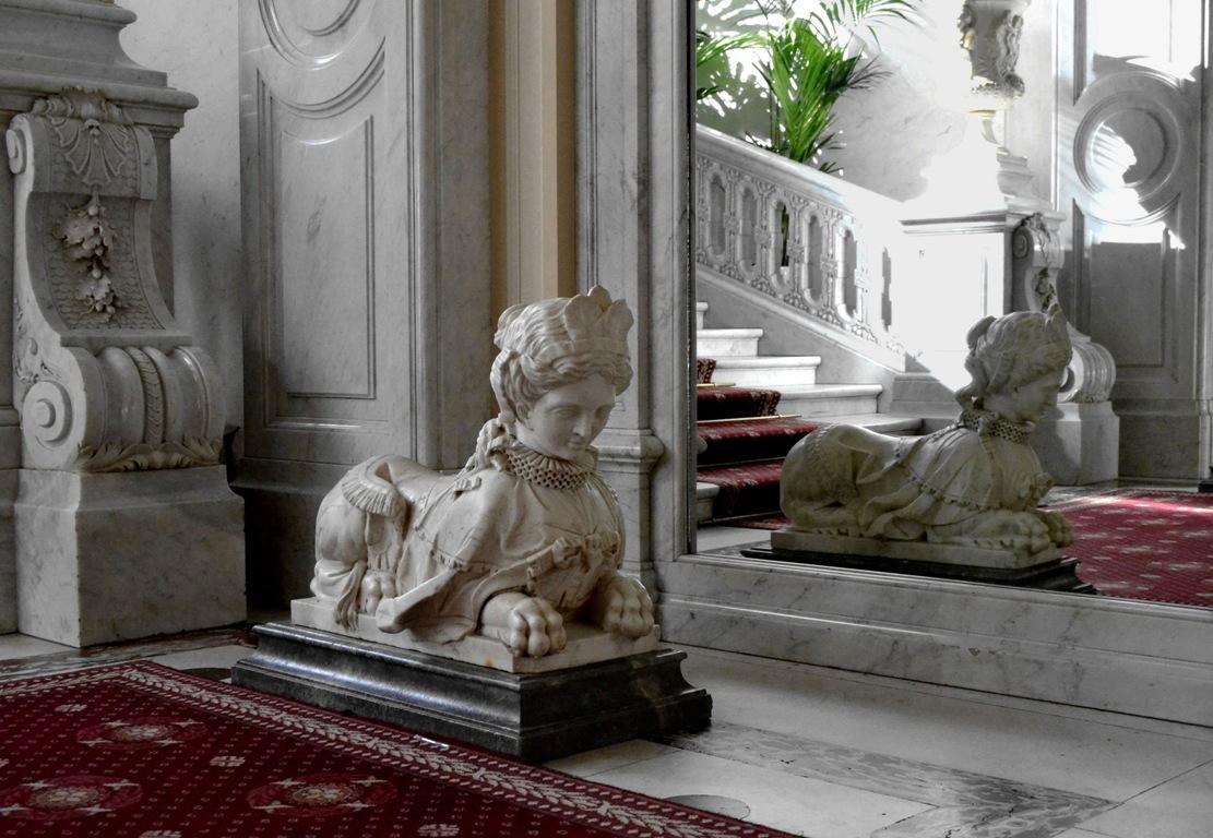 Сфинкс. Интерьеры Юсуповского дворца. https://commons.wikimedia.org/
