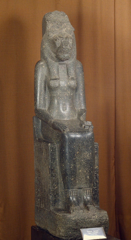 Статуя богини Мут-Сохмет