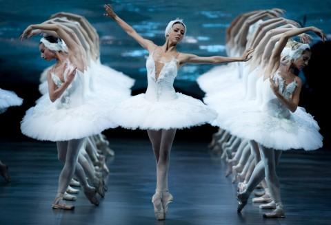 """Фрагмент балета """"Лебединое озеро"""", источник фото: marta-club.ru"""