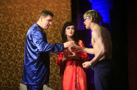 Спектакль «Все мужчины делают это», источник фото: a-zavorotnyuk.ru