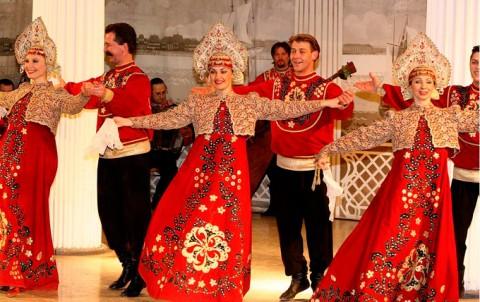 Фольклорное шоу, источник фото: mpolo-spb.ru