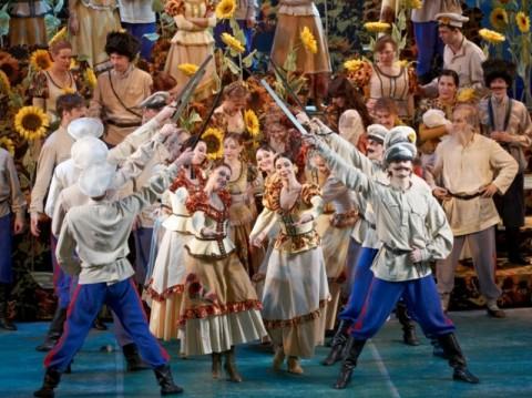 Оперетта «Бабий бунт», источник фото: http://web.muzcomedy.ru/
