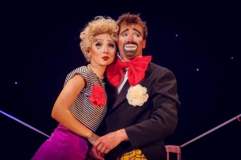Спектакль «Он, она и ля мажор», источник фото: http://buffspb.ru/