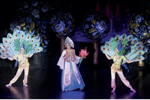 спектакль «Аленький цветочек», источник фото: n-teatral.ru