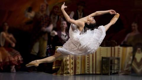 Балет «Лауренсия», источник фото: kommersant.ru