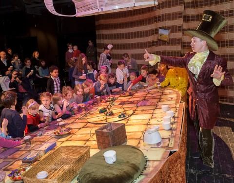 """Спектакль """"Вероятно, чаепитие состоится"""" в Karlsson Haus, источник фото: http://www.karlssonhaus.ru"""