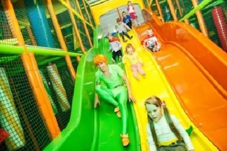 Детский активити парк, источник фото: http://pryg-skok.ru/animations