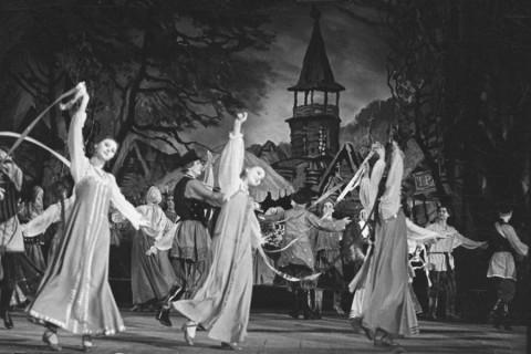 "Балет ""Каменный цветок"" 1957 год, источник фото: https://www.mariinsky.ru/about/special/prokofiev125/kamenny_1957/"