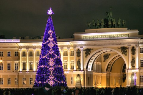 Новый Год на Дворцовой площади, источник фото: http://vprazdniki.com/novyiy-god-na-dvortsovoy-ploshhadi-2017-programma-meropriyatiy.html