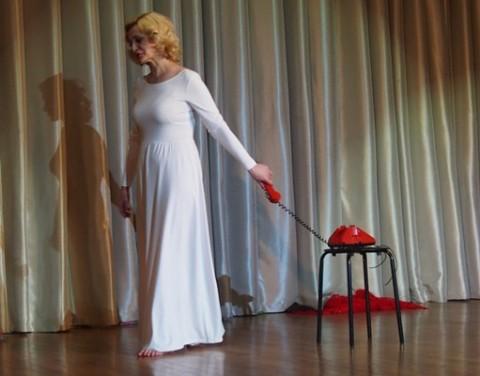 """Спектакль """"Голос"""", источник фото: http://www.culture.ru/events/164182/spektakl-golos"""