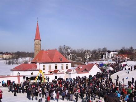 """Праздник """"Гуляй, Масленица!"""" в Гатчине, источник фото: http://eventsinrussia.com/event/15550"""