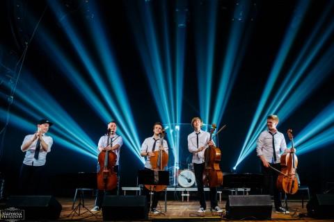 Мировые рок-хиты на виолончелях, источник фото: https://vk.com/rockcellos_spb?z=photo-137024510_456239115%2Falbum-137024510_240029158%2Frev
