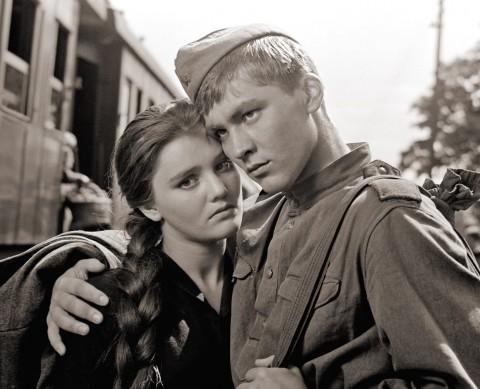 "Кадр из Фильм ""Баллада о солдате"", 1959 год, источник фото: http://sovtime.com/post/104907094016/ballad-of-a-soldier-1959"