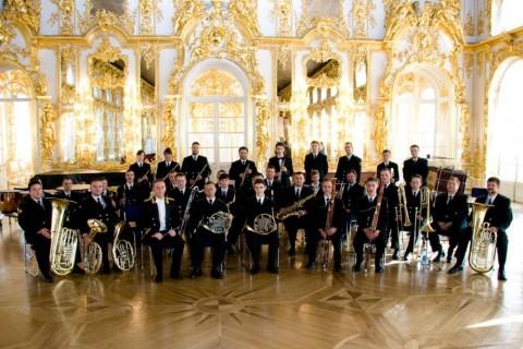 Адмиралтейский оркестр Ленинградской военно-морской базы, источник фото: http://www.philharmonia.spb.ru/collectives/about/3784/