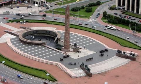Монумент героическим защитникам Ленинграда, источник фото: http://fb.ru