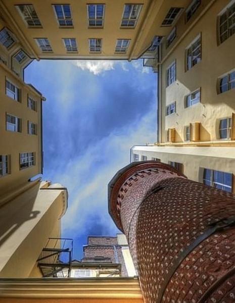 Башня Грифонов (Васильевский остров, 7-я линия, д. 16). Фото: liveinternet.ru
